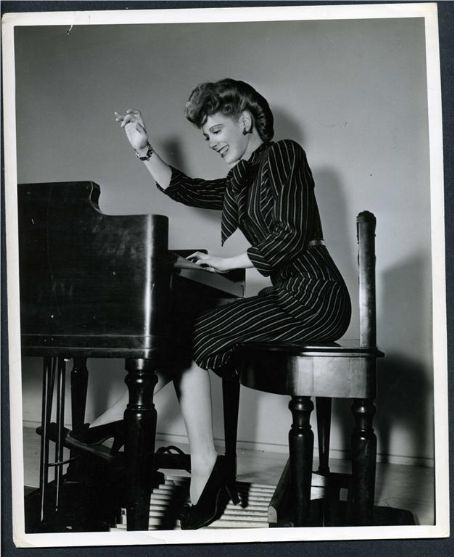 and in high heels - Ethel Smith - The Lady Organist
